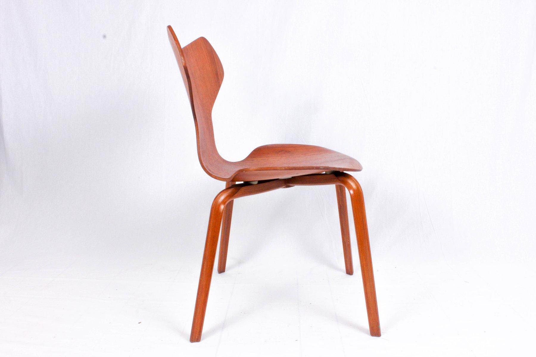 modell 3130 stuhl von arne jacobsen f r fritz hansen 1964. Black Bedroom Furniture Sets. Home Design Ideas