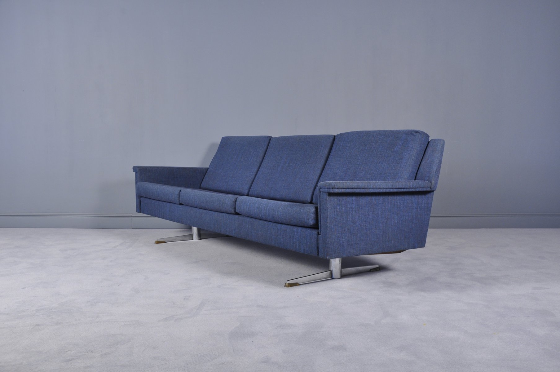 Mid Century Modern Sofa On Shaker Legs 1970s For Sale At