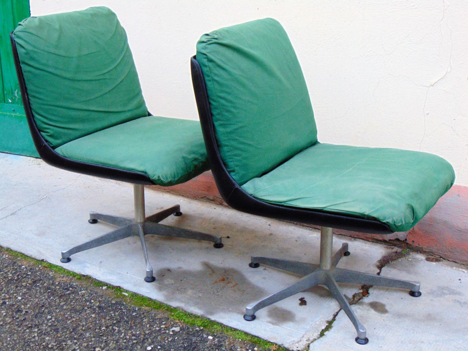 Mid Century Swivel Chairs Set Of 2 For Sale At Pamono
