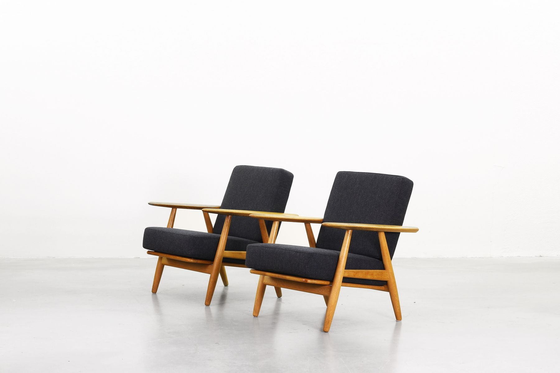 240 Cigar Lounge Chairs By Hans J Wegner For Getama 1960s Set Of 2 For Sale At Pamono