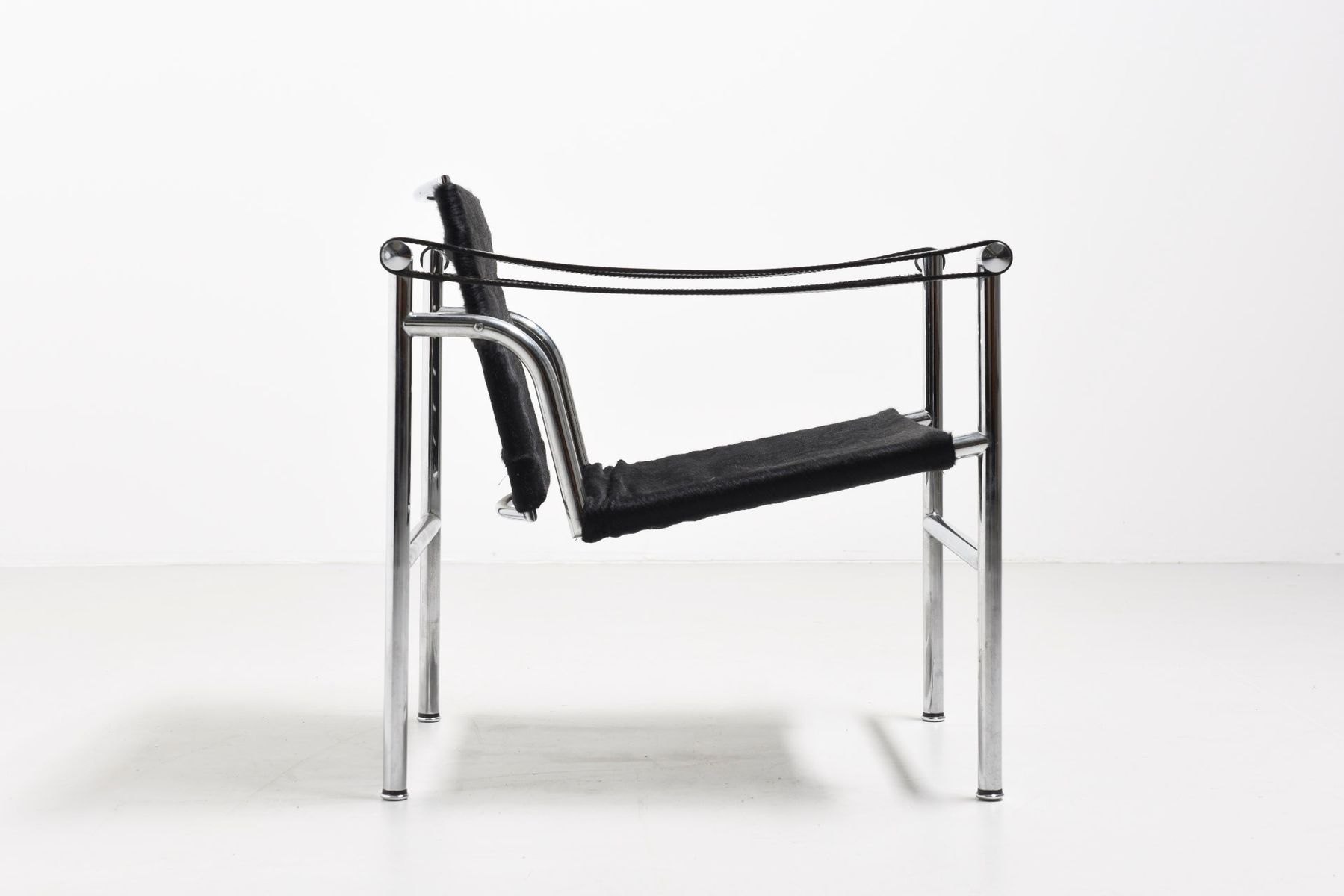 Vintage Lc1 Lounge Chair By Le Corbusier Pierre Jeanneret