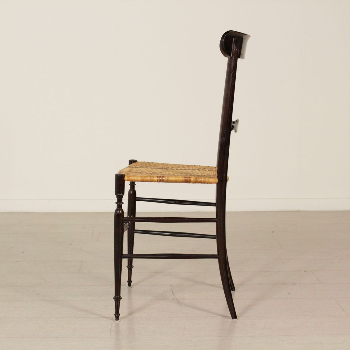 mid century chiavari st hle aus lackiertem holz 4 er set bei pamono kaufen. Black Bedroom Furniture Sets. Home Design Ideas