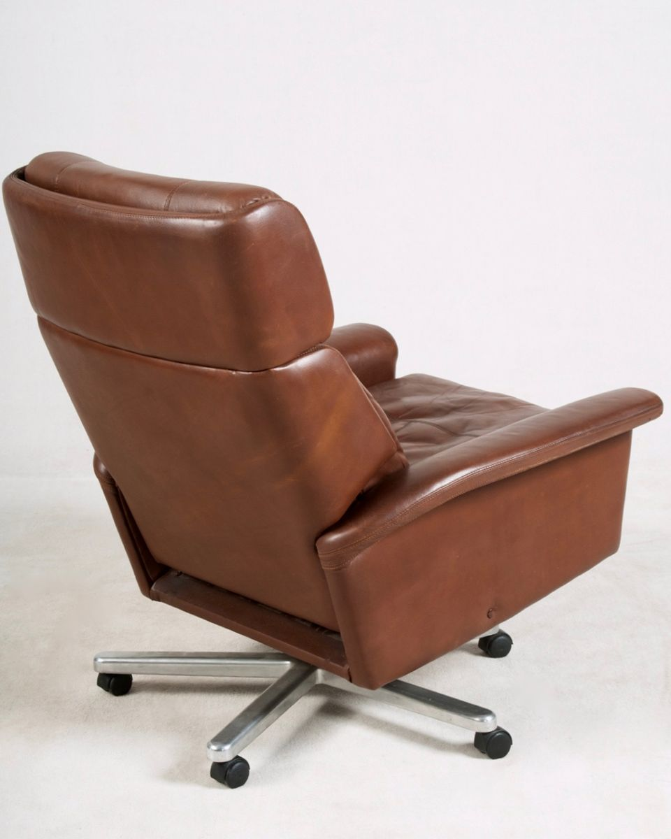 Leather tilting swivel chair 1980s for sale at pamono for 1980s chair