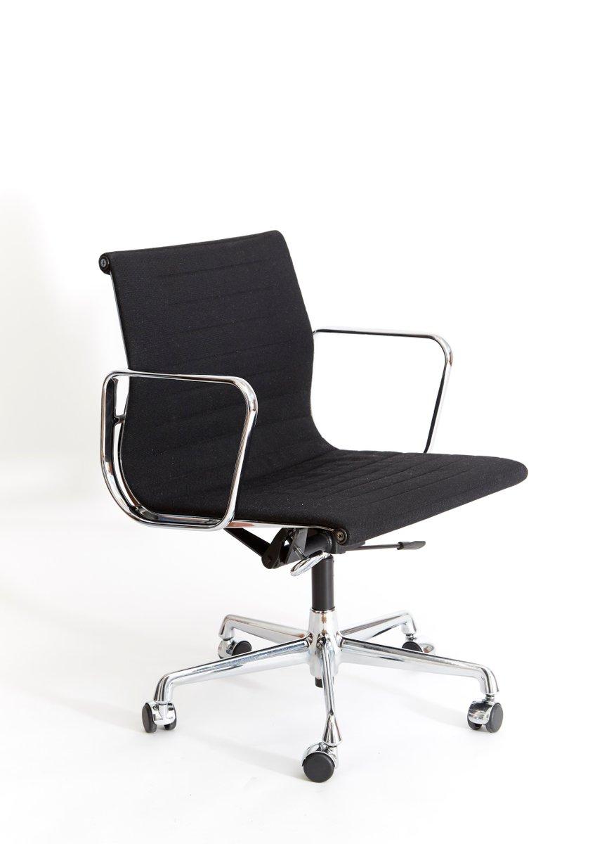 Eames Schreibtischstuhl ea 117 bürostuhl charles eames für vitra 1950er bei