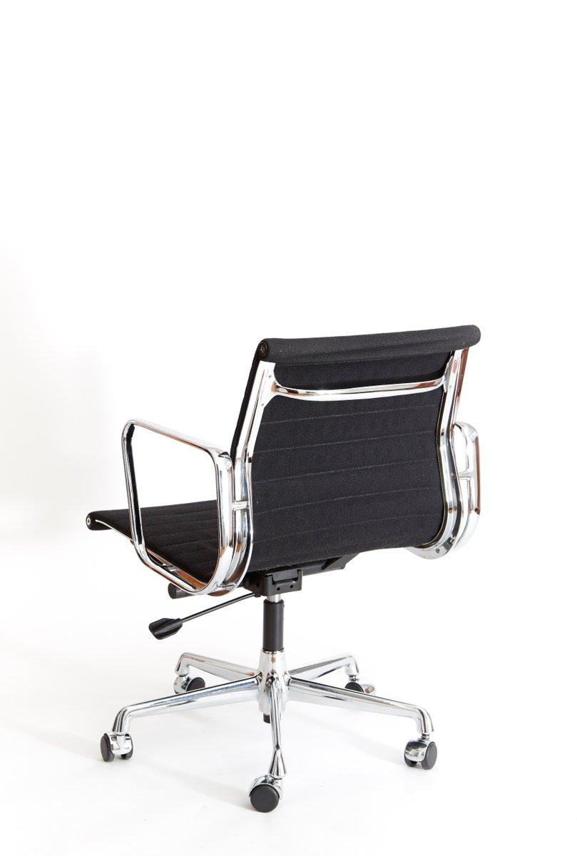 ea 117 b rostuhl von charles ray eames f r vitra 1950er. Black Bedroom Furniture Sets. Home Design Ideas