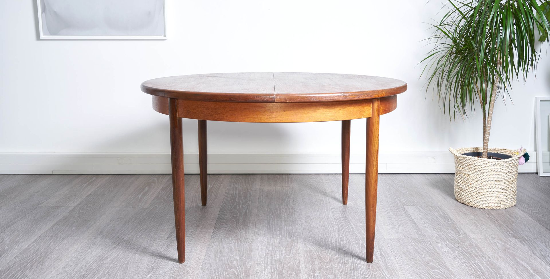 Round Dining Table 1960s For Sale At Pamono