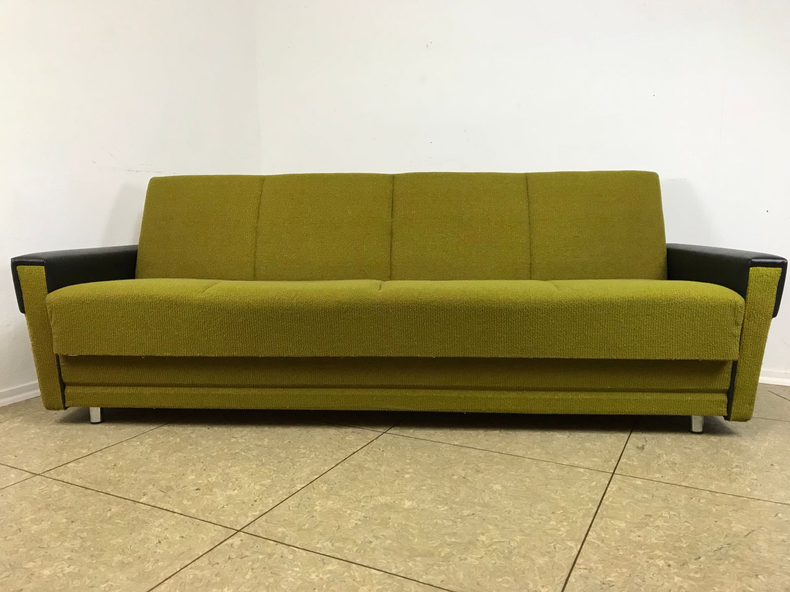 Mid century sofa daybed for sale at pamono for Mid century daybed sofa