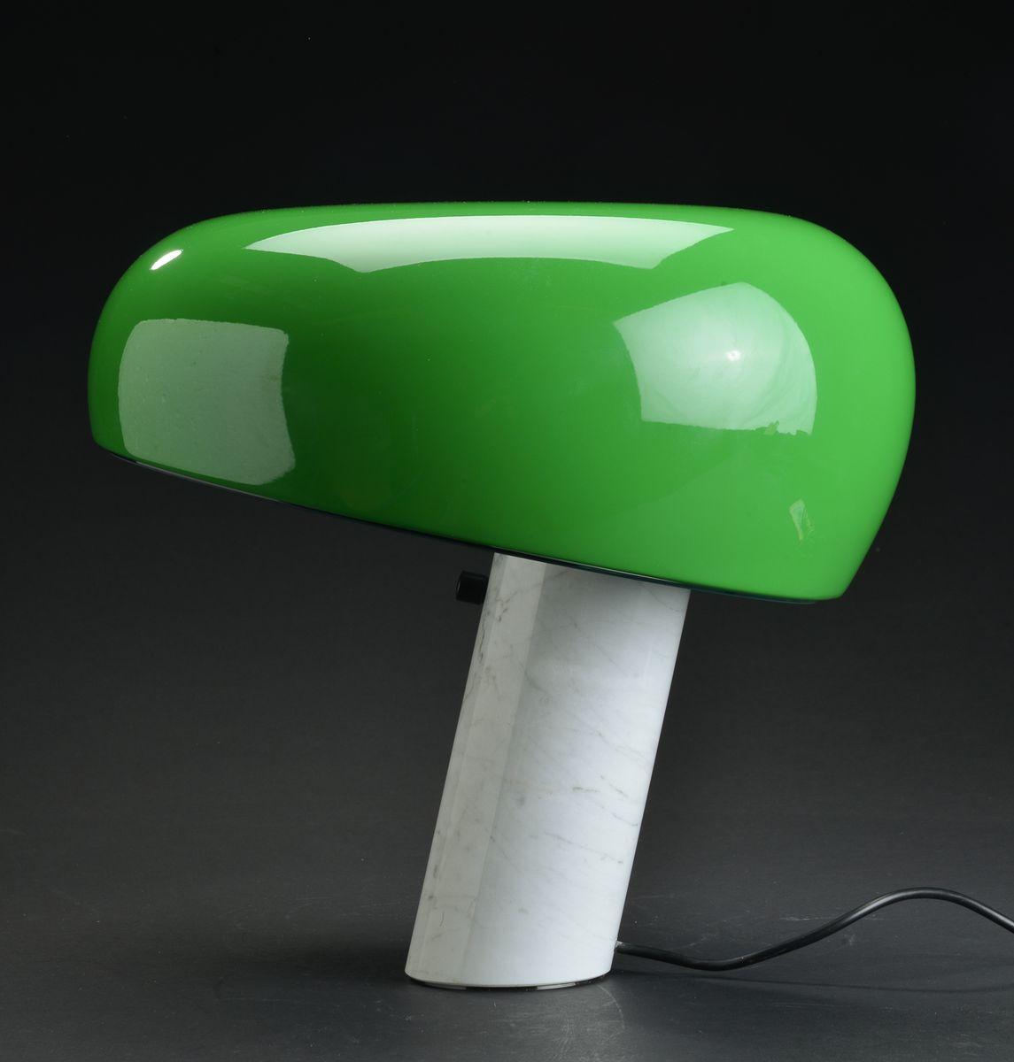 Lampada da tavolo snoopy verde e bianca di achille pier - Tavolo castiglioni ...