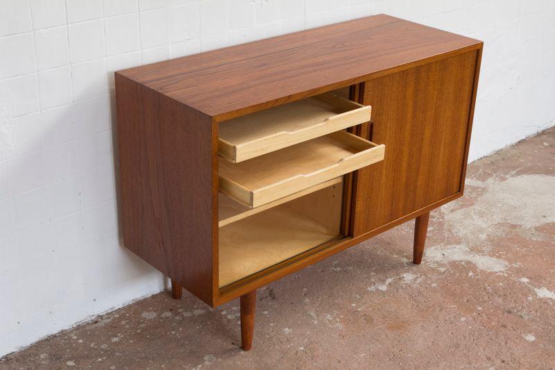 teak schrank mit schiebet ren von poul hundevad f r hundevad co bei pamono kaufen. Black Bedroom Furniture Sets. Home Design Ideas