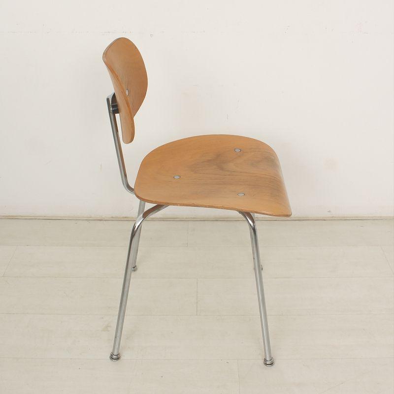 Se 68 buchen schreibtischstuhl von egon eiermann f r wilde for Schreibtischstuhl designklassiker