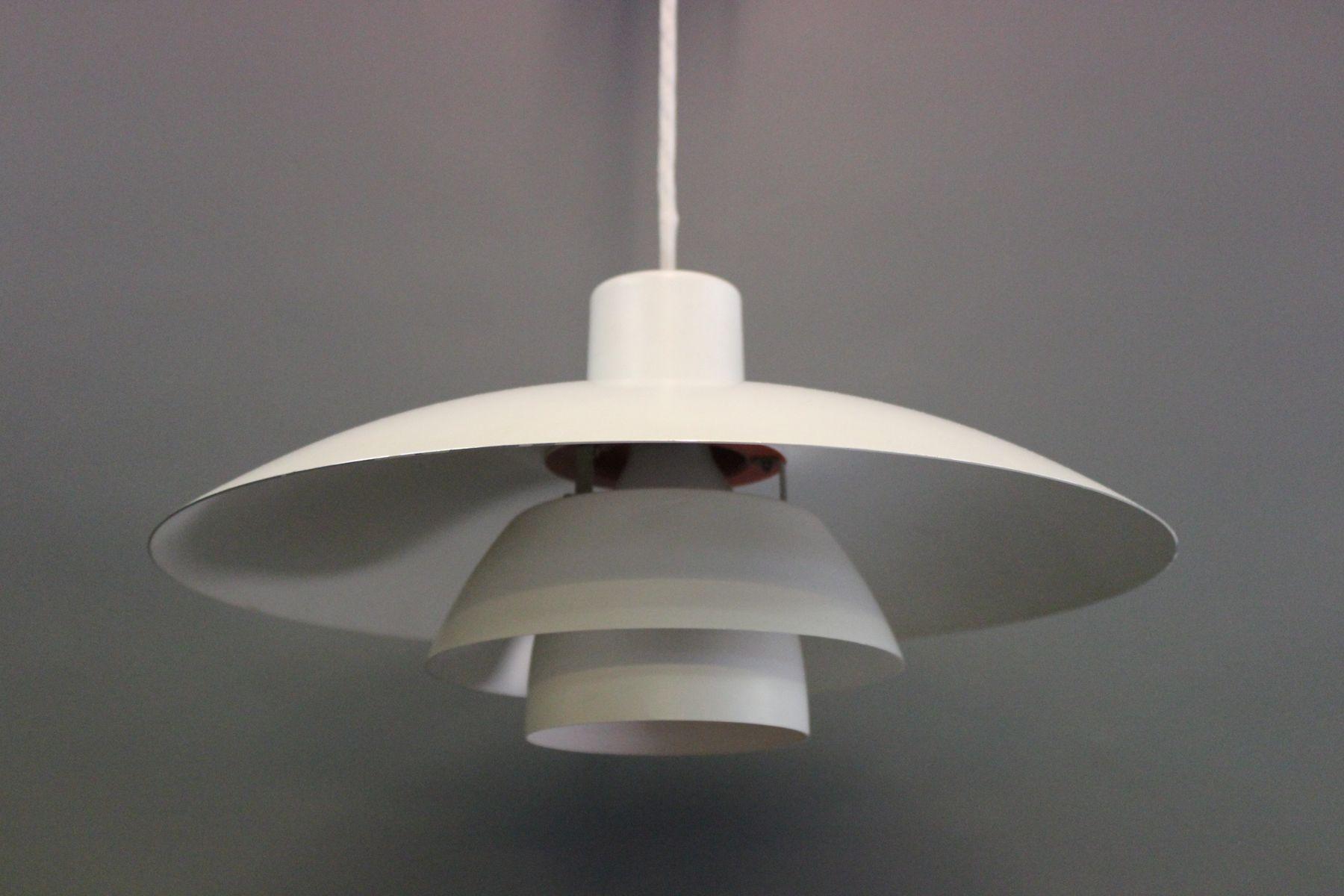 wei e ph4 h ngeleuchte aus metall von poul henningsen f r. Black Bedroom Furniture Sets. Home Design Ideas