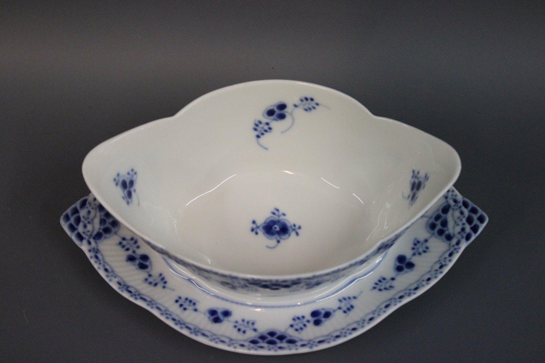 blue fluted half lace porcelain sauceboat by royal. Black Bedroom Furniture Sets. Home Design Ideas