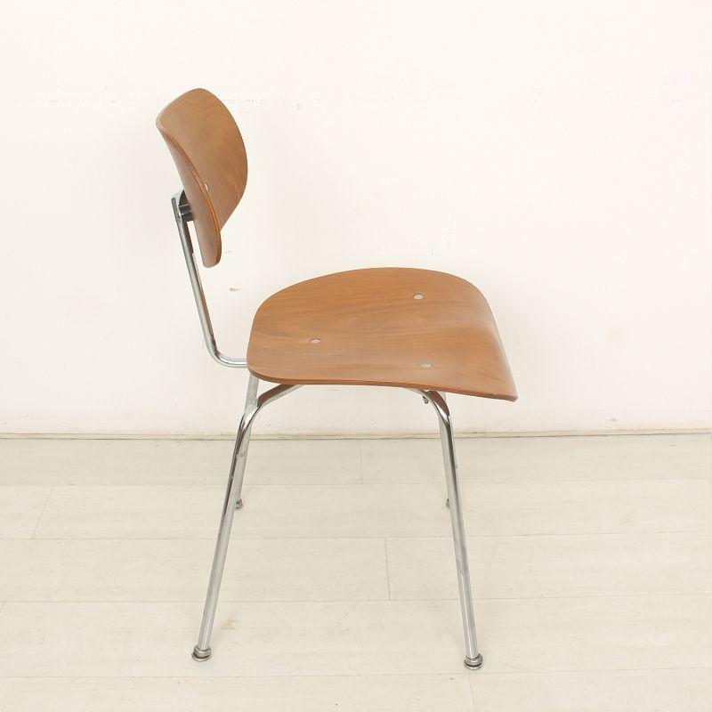 se68 schreibtischstuhl aus buche von egon eiermann f r. Black Bedroom Furniture Sets. Home Design Ideas
