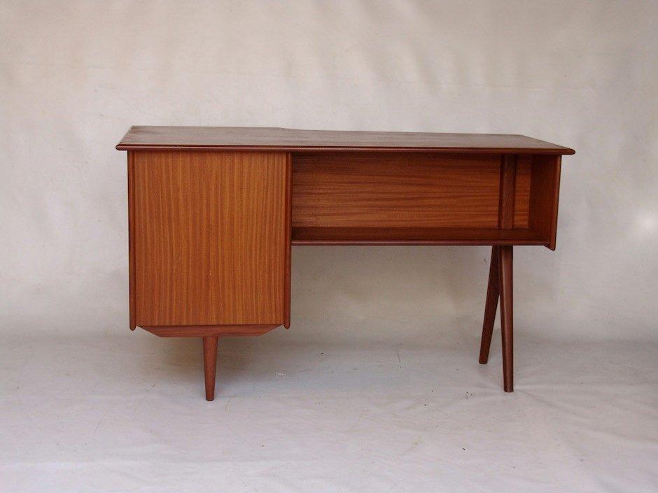 vintage teak schreibtisch mit drei schubladen bei pamono kaufen. Black Bedroom Furniture Sets. Home Design Ideas