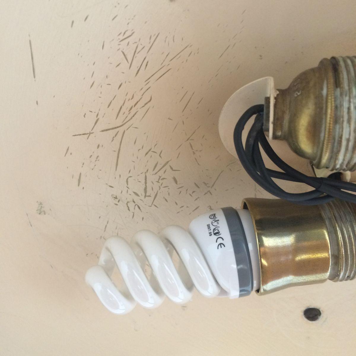 Mid Century Schreibtischlampe aus Messing von Hillebrand Lighting bei Pamono kaufen