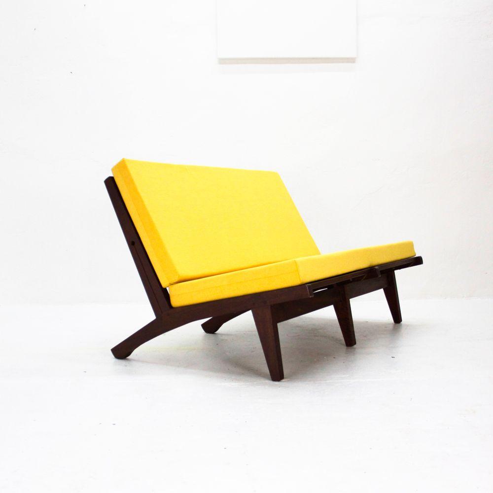 gelbes vintage zweisitzer sofa bei pamono kaufen. Black Bedroom Furniture Sets. Home Design Ideas