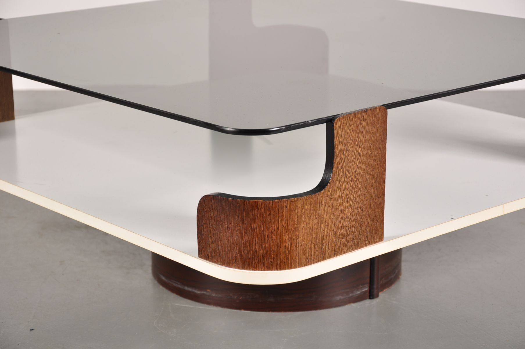 Weng base square coffee table with smoked glass surface - Table wenge ikea ...