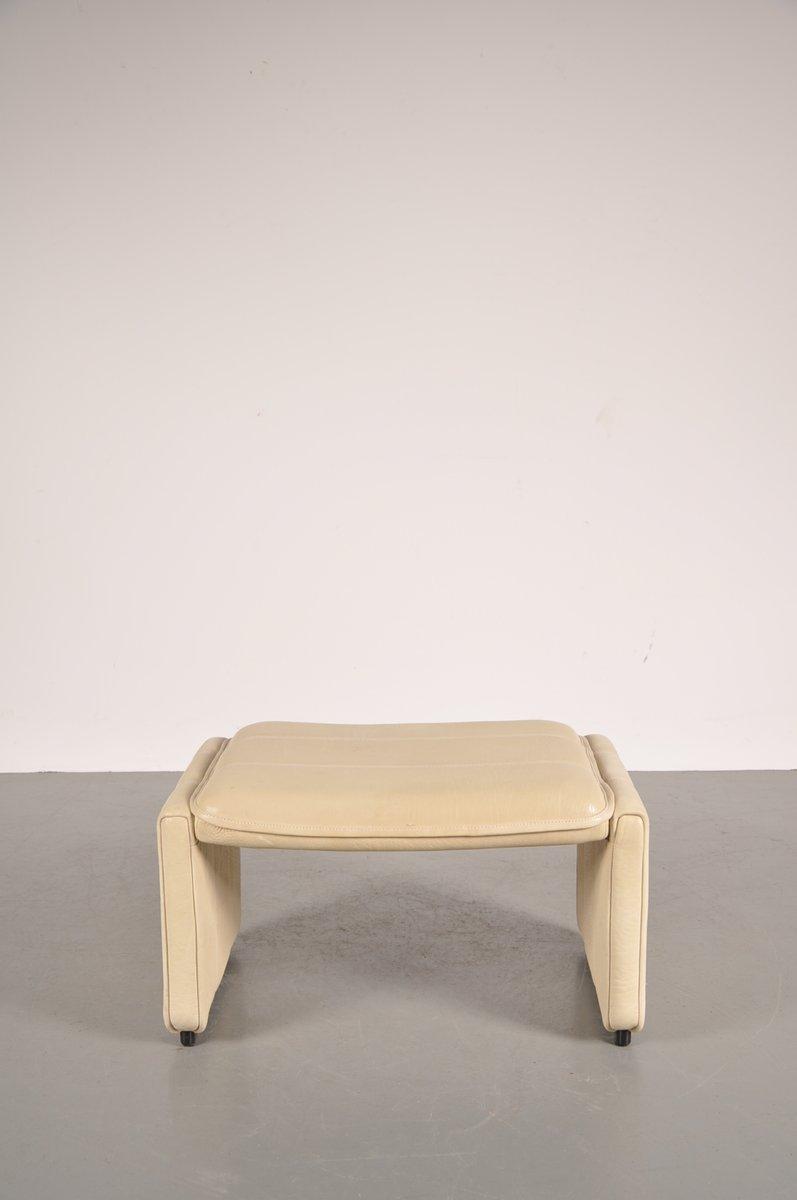 beigefarbener leder fu hocker von de sede bei pamono kaufen. Black Bedroom Furniture Sets. Home Design Ideas