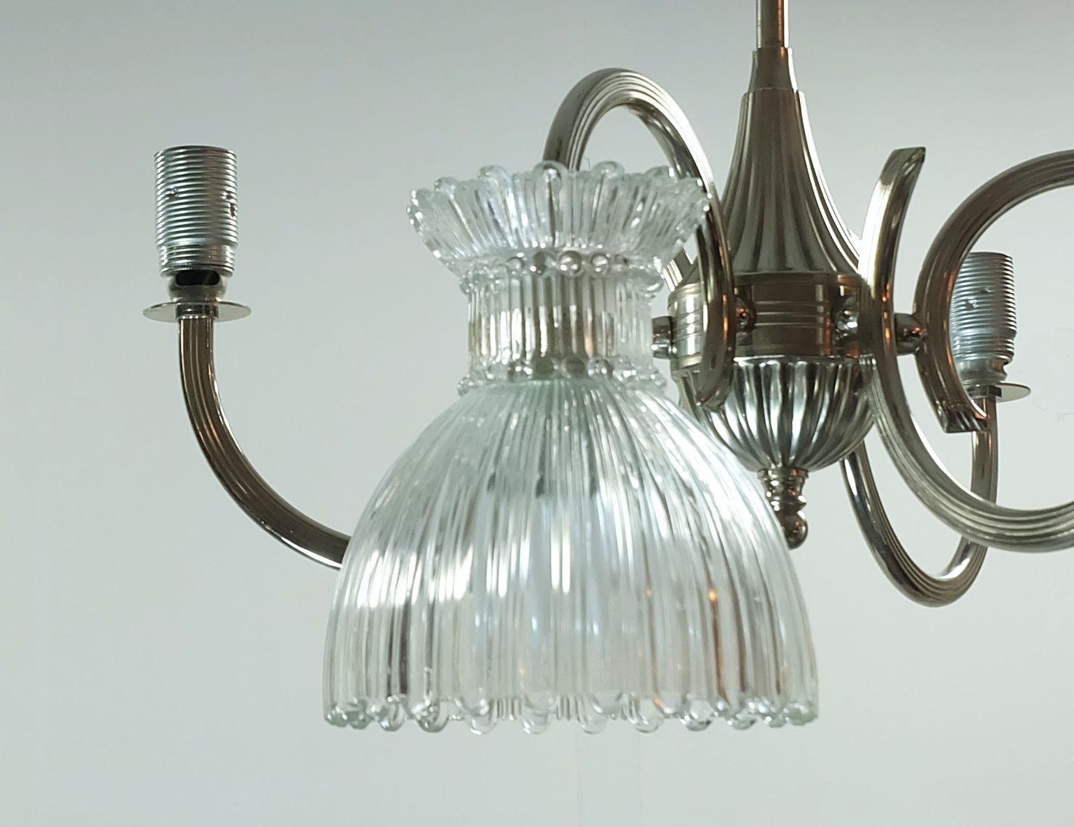 Kronleuchter Mit : Mid century chrom kronleuchter mit glassschirmen bei pamono kaufen