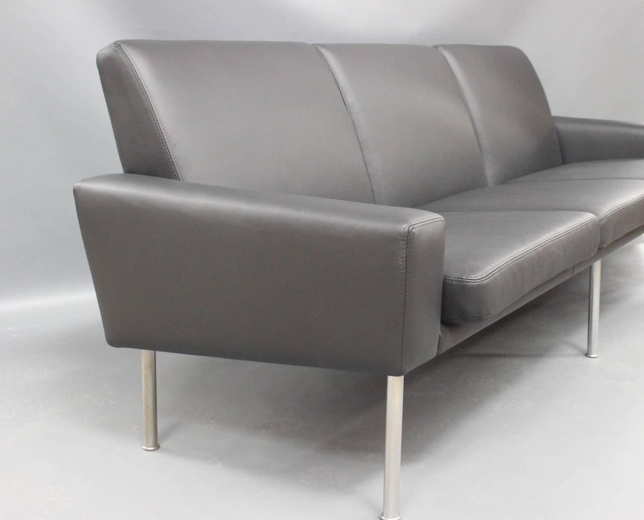 model 34 3 3 seater sofa by hans j wegner 1960 for sale at pamono. Black Bedroom Furniture Sets. Home Design Ideas