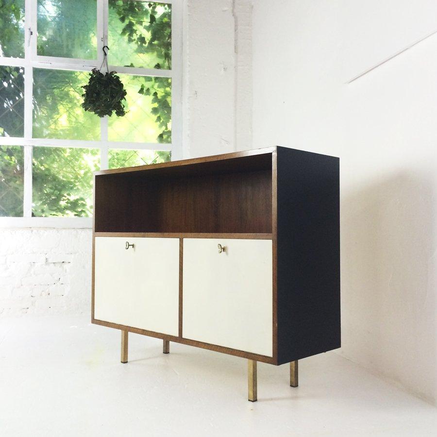 walnut bar cabinet 1950s for sale at pamono. Black Bedroom Furniture Sets. Home Design Ideas