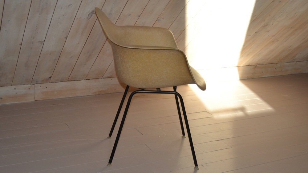 dax stuhl von charles ray eames f r herman miller. Black Bedroom Furniture Sets. Home Design Ideas