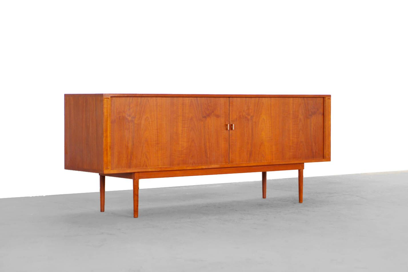 d nisches sideboard von jens harald quistgaard 1960 bei pamono kaufen. Black Bedroom Furniture Sets. Home Design Ideas