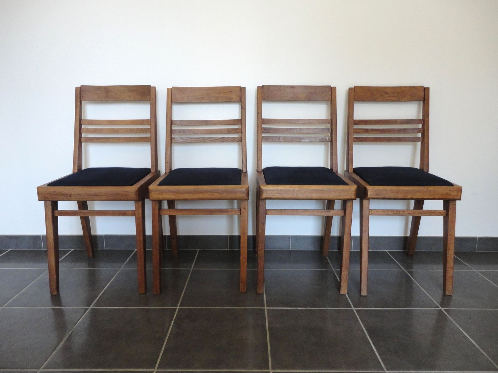 Vintage Oak Dining Chairs 1940s Set Of 4 For Sale At Pamono