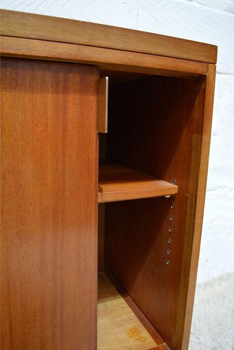 d nisches mid century sideboard mit schiebet ren bei. Black Bedroom Furniture Sets. Home Design Ideas