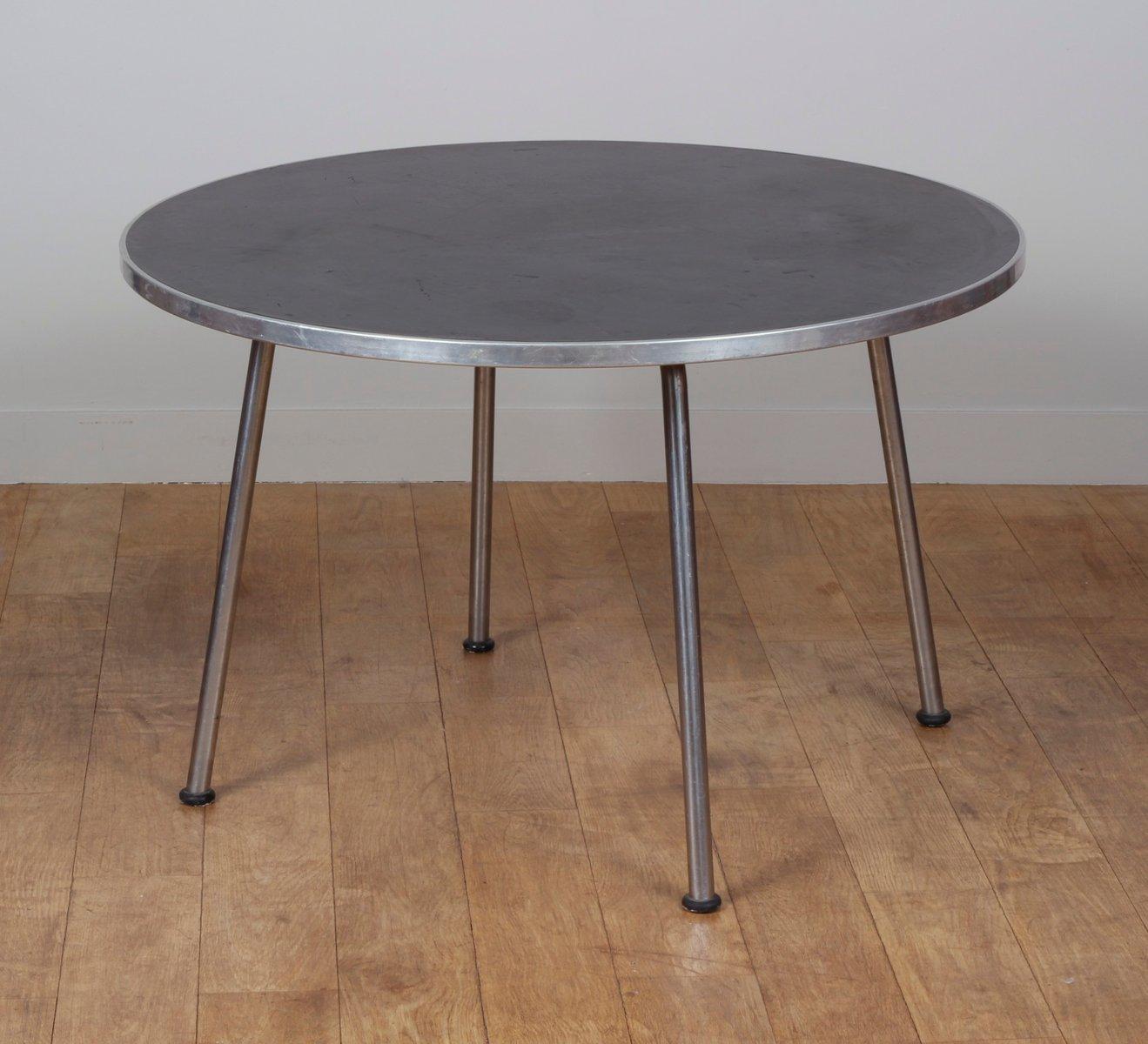 runder holz und metall tisch von gispen 1960er bei pamono kaufen. Black Bedroom Furniture Sets. Home Design Ideas