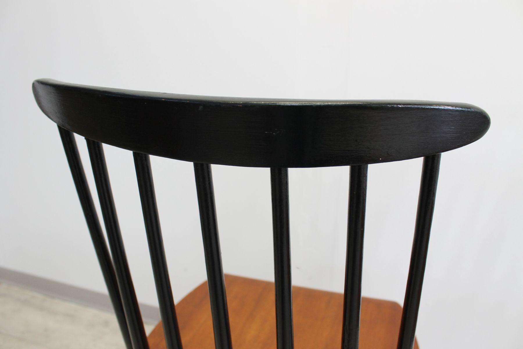 mid century esszimmerst hle aus holz von ilmari tapiovaara 4er set bei pamono kaufen. Black Bedroom Furniture Sets. Home Design Ideas
