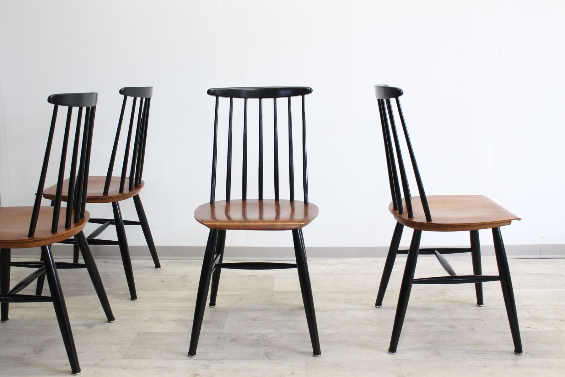 Mid century wooden dining chairs by ilmari tapiovaara set for Wooden dining chairs for sale