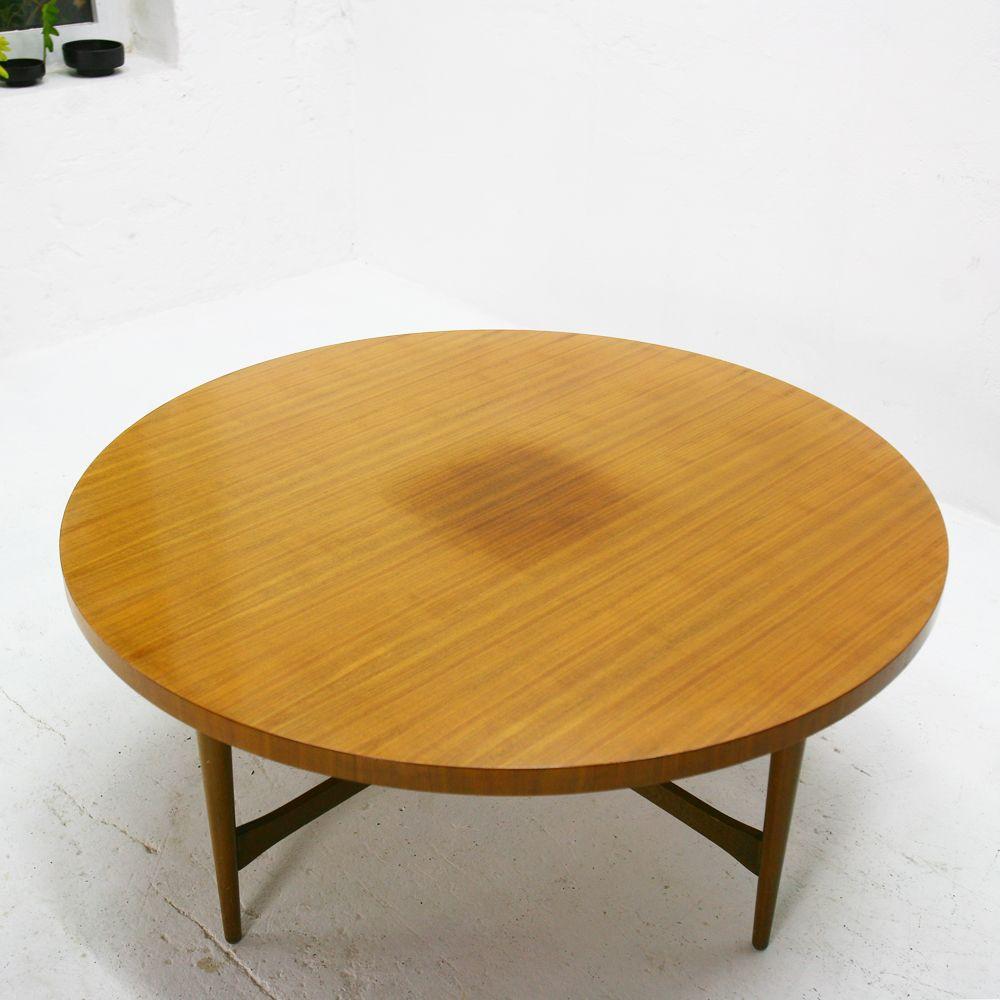 nussbaum couchtisch von ilse m bel 1950er bei pamono kaufen. Black Bedroom Furniture Sets. Home Design Ideas