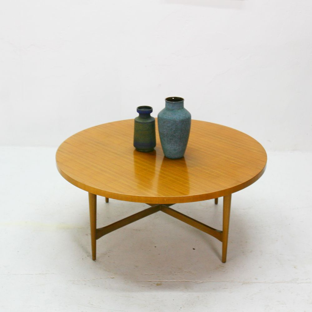 Nussbaum Couchtisch von Ilse Möbel, 1950er bei Pamono kaufen
