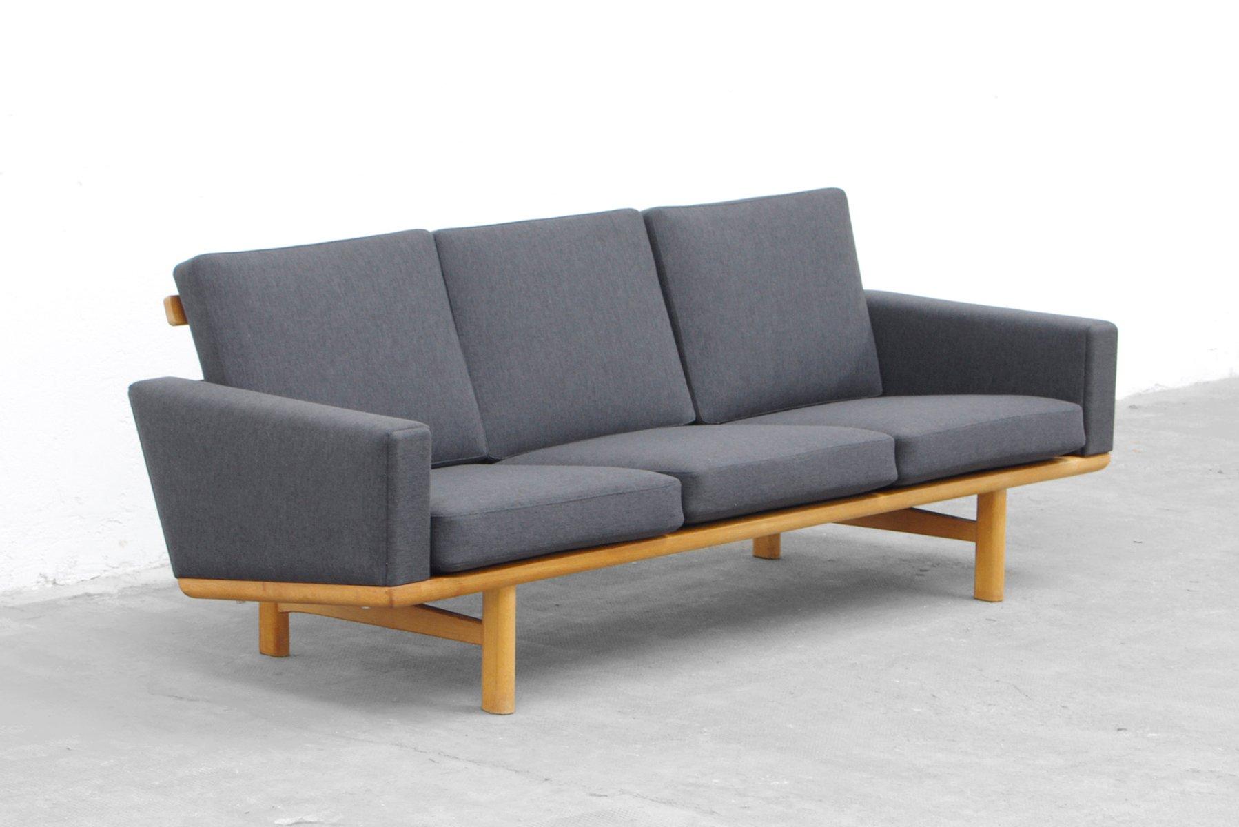 Hans Wegner Sofa 236 – RS Gold Sofa