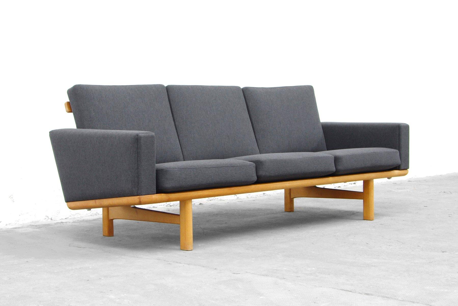 oak ge 236 3 sofa by hans wegner for getama for sale at pamono. Black Bedroom Furniture Sets. Home Design Ideas
