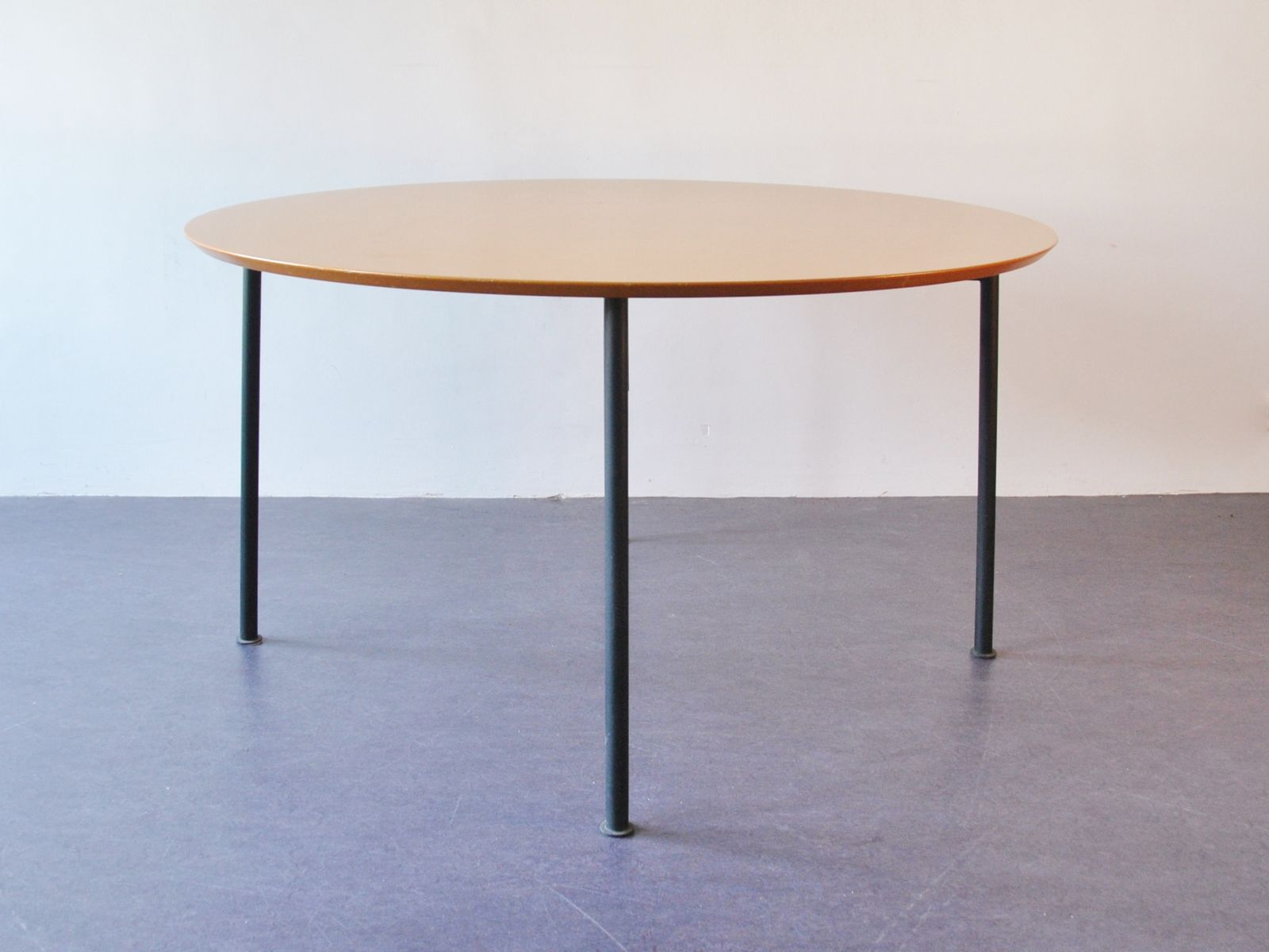 nina freed dining table by philippe starck 1983 for sale. Black Bedroom Furniture Sets. Home Design Ideas