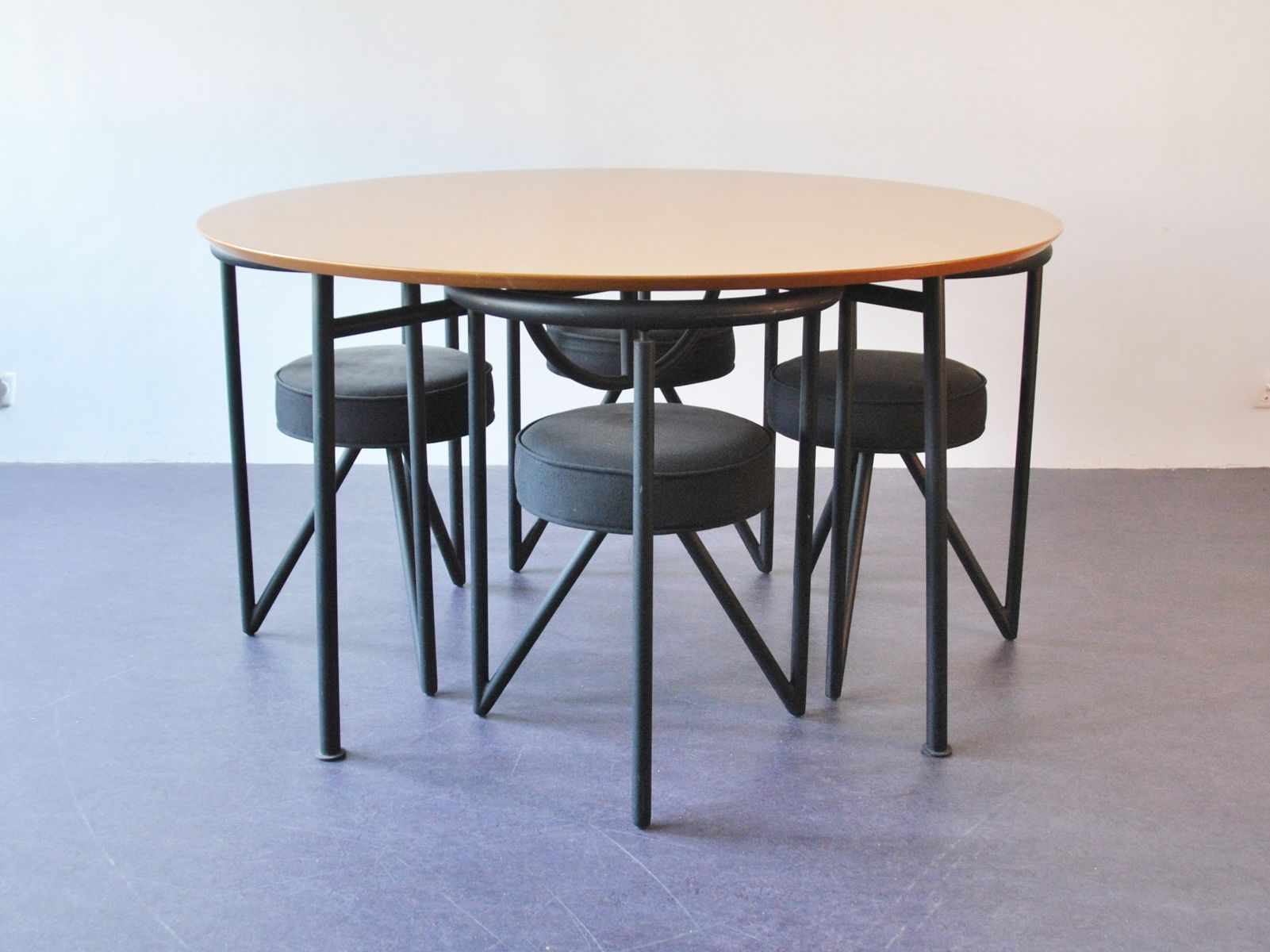 Nina freed dining table by philippe starck 1983 for sale at pamono for Philippe starck tables
