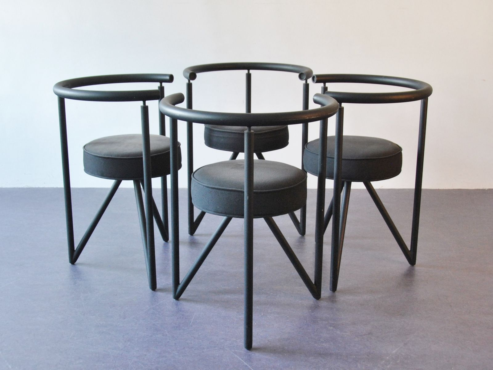 Miss dorn dining chairs by philippe starck set of 4 for for Philippe starck dining tables