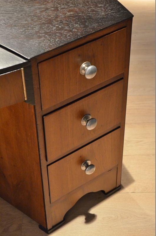 nierenf rmiger vintage nussbaum schreibtisch bei pamono kaufen. Black Bedroom Furniture Sets. Home Design Ideas