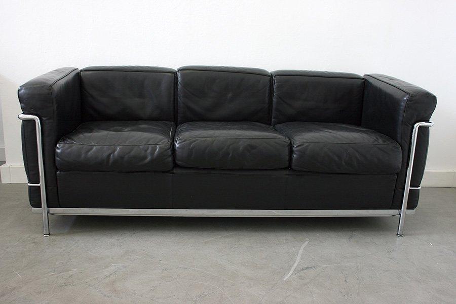 lc2 3 sitzer sofa von le corbusier f r cassina 1920er bei. Black Bedroom Furniture Sets. Home Design Ideas