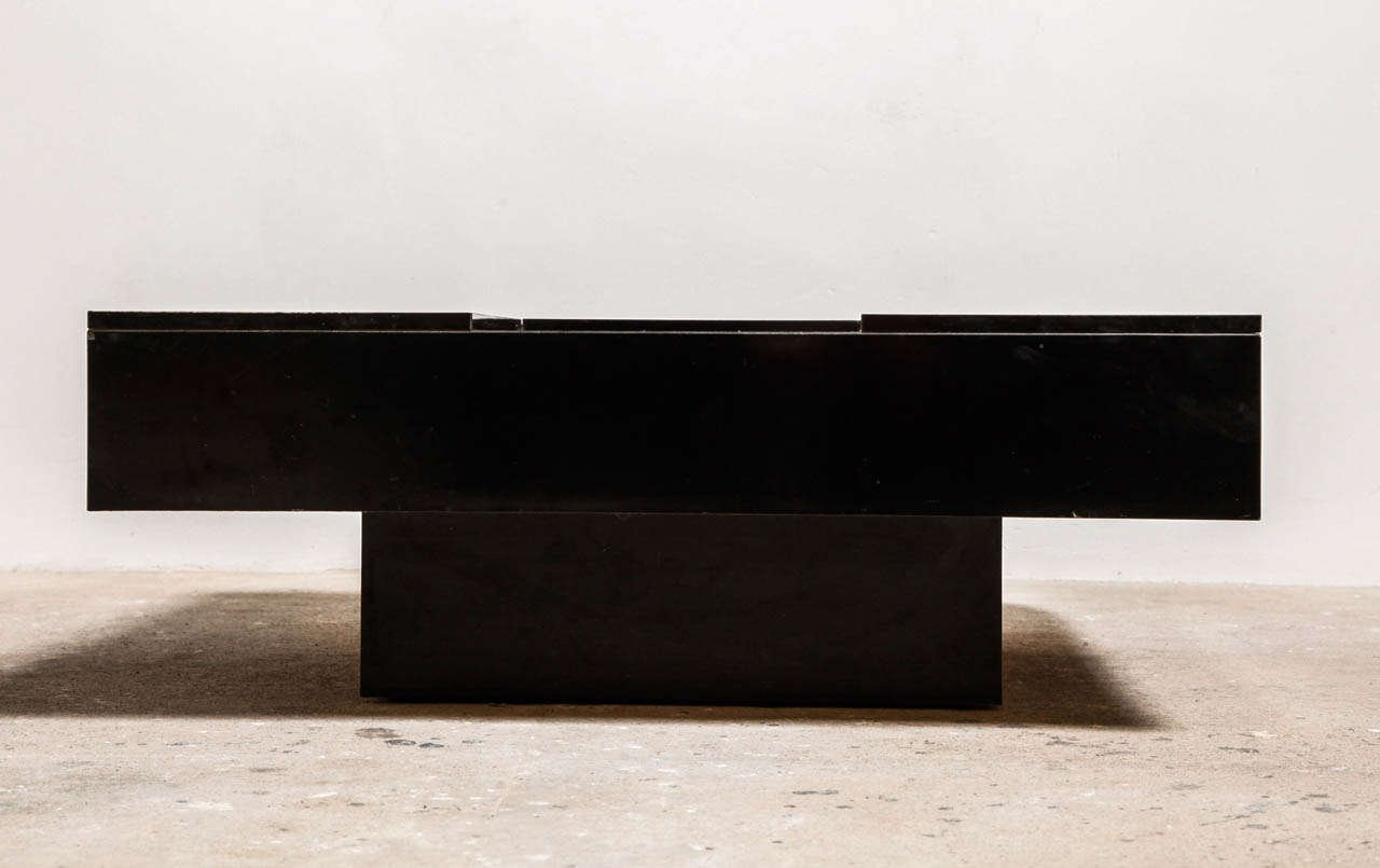 Italienischer Sperrholz & Aluminium Couchtisch, 1969 bei
