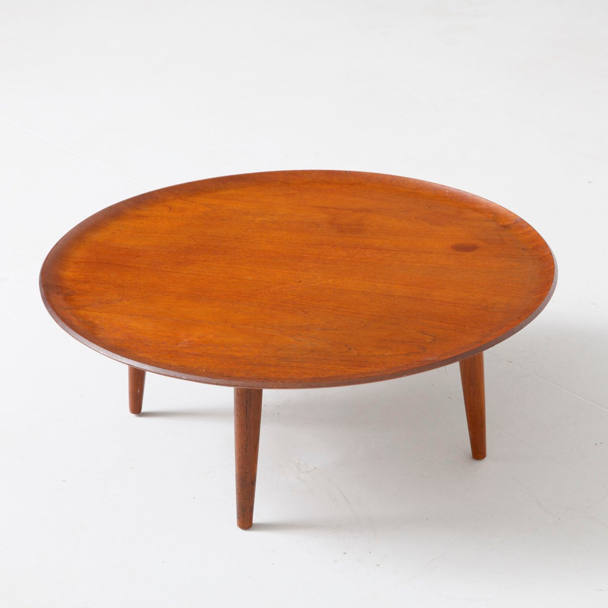 Vintage round coffee table for sale at pamono for Round coffee tables for sale