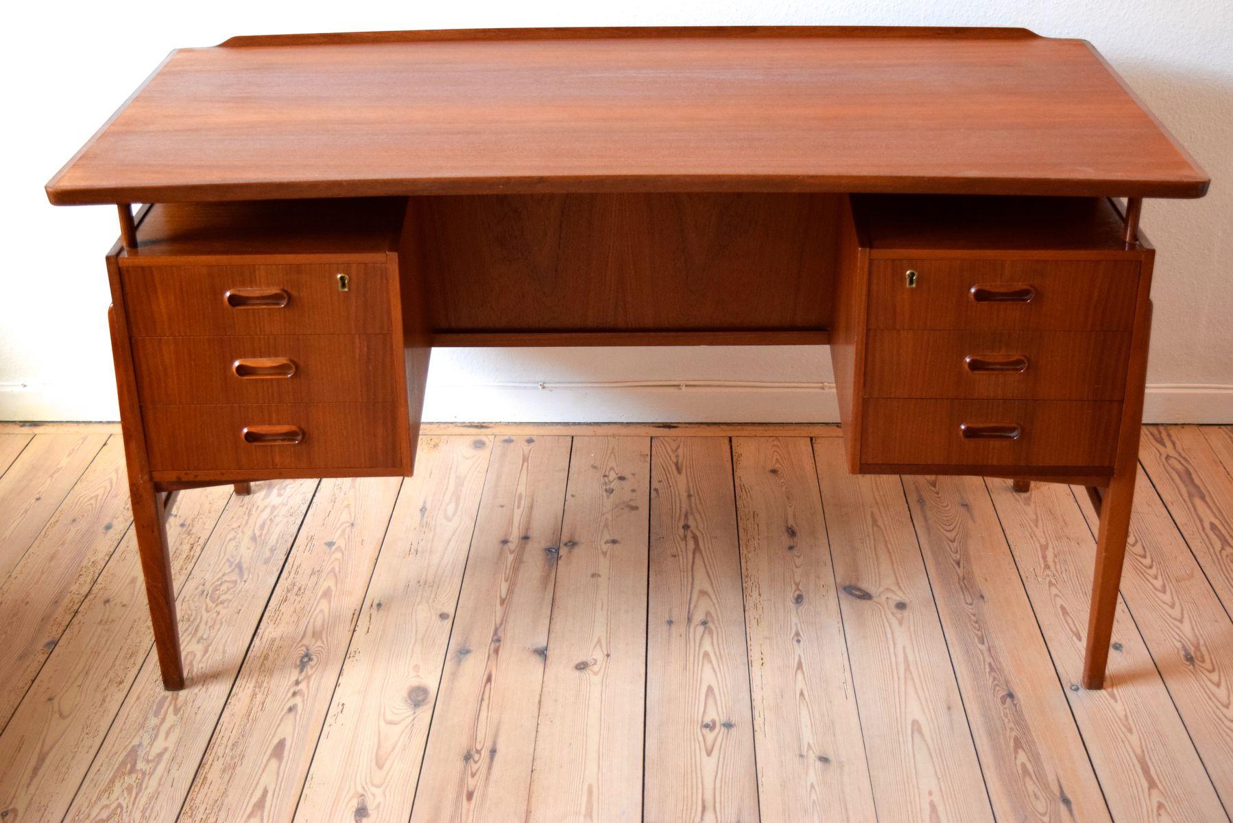 d nischer mid century teak schreibtisch mit schubladen bei. Black Bedroom Furniture Sets. Home Design Ideas