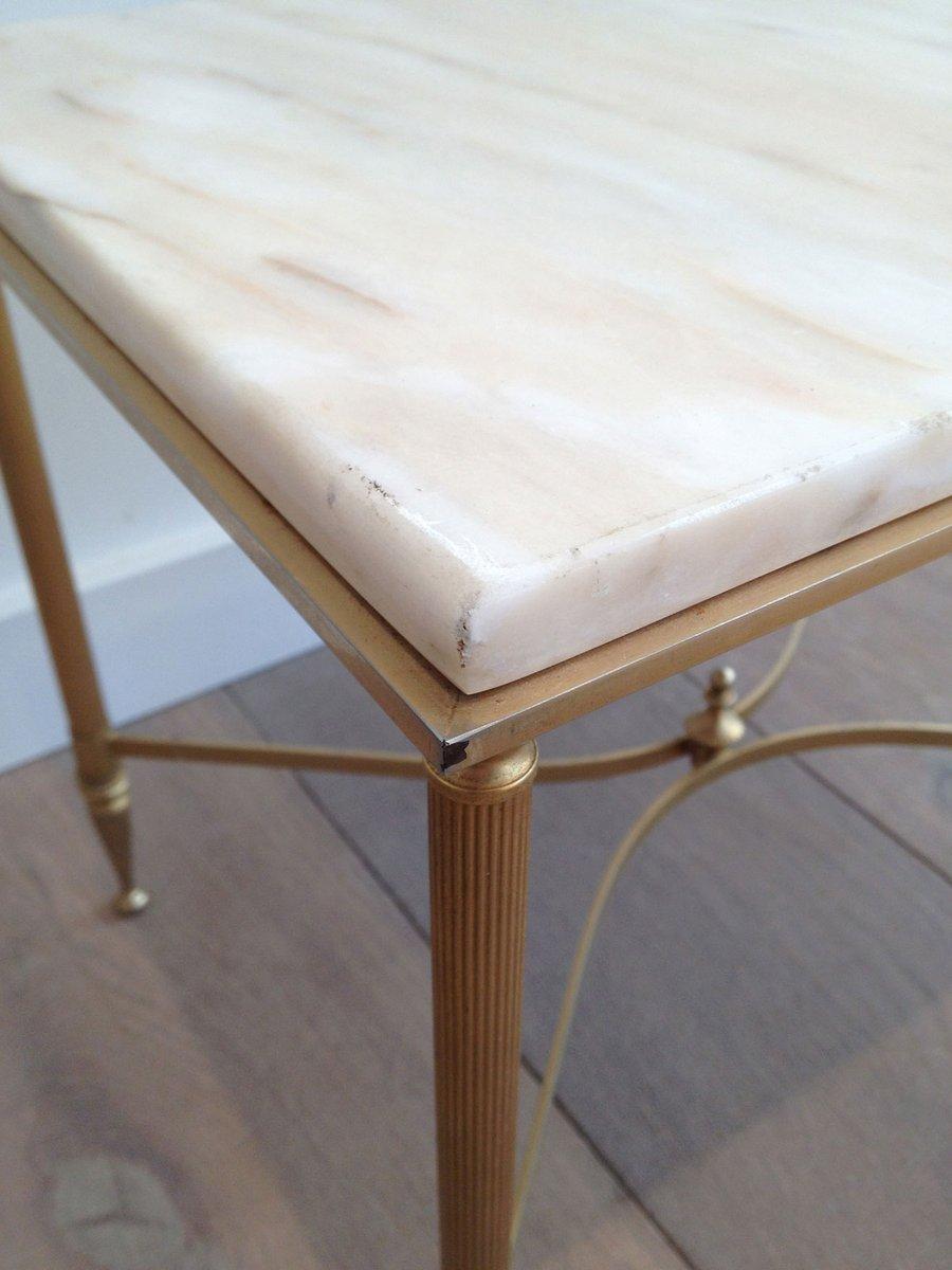 beistelltisch aus vergoldetem metall mit marmor tischplatte 1960er bei pamono kaufen. Black Bedroom Furniture Sets. Home Design Ideas