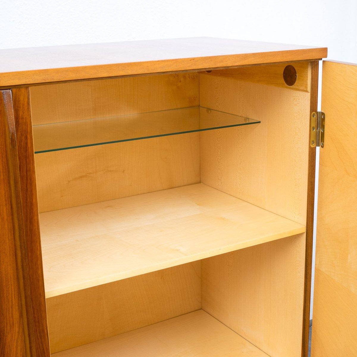 gro es nussbaum sideboard von deutsche werkm bel bei pamono kaufen. Black Bedroom Furniture Sets. Home Design Ideas
