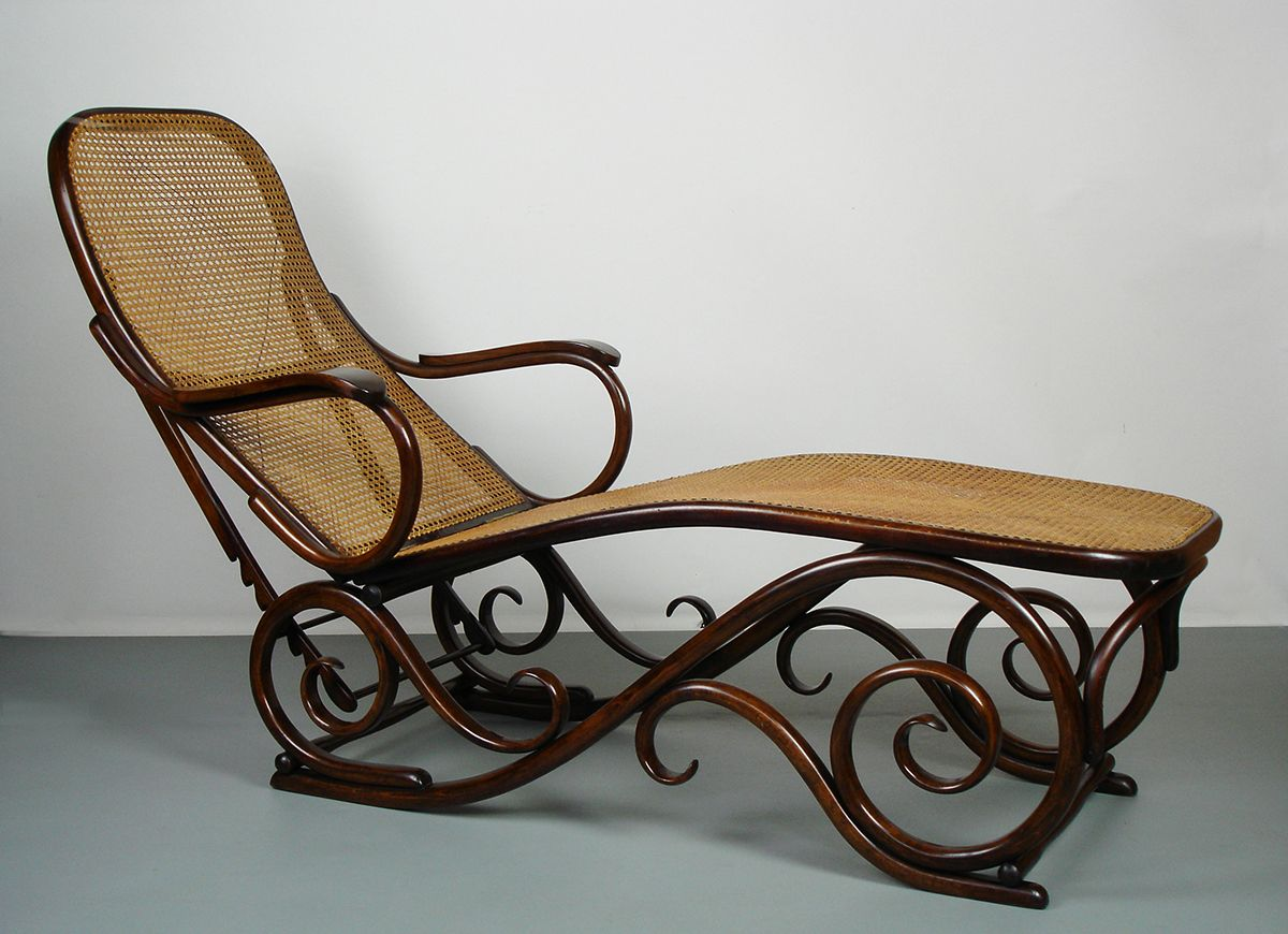Austrian bent wood chaise longue 1910 for sale at pamono for Chaise bentwood