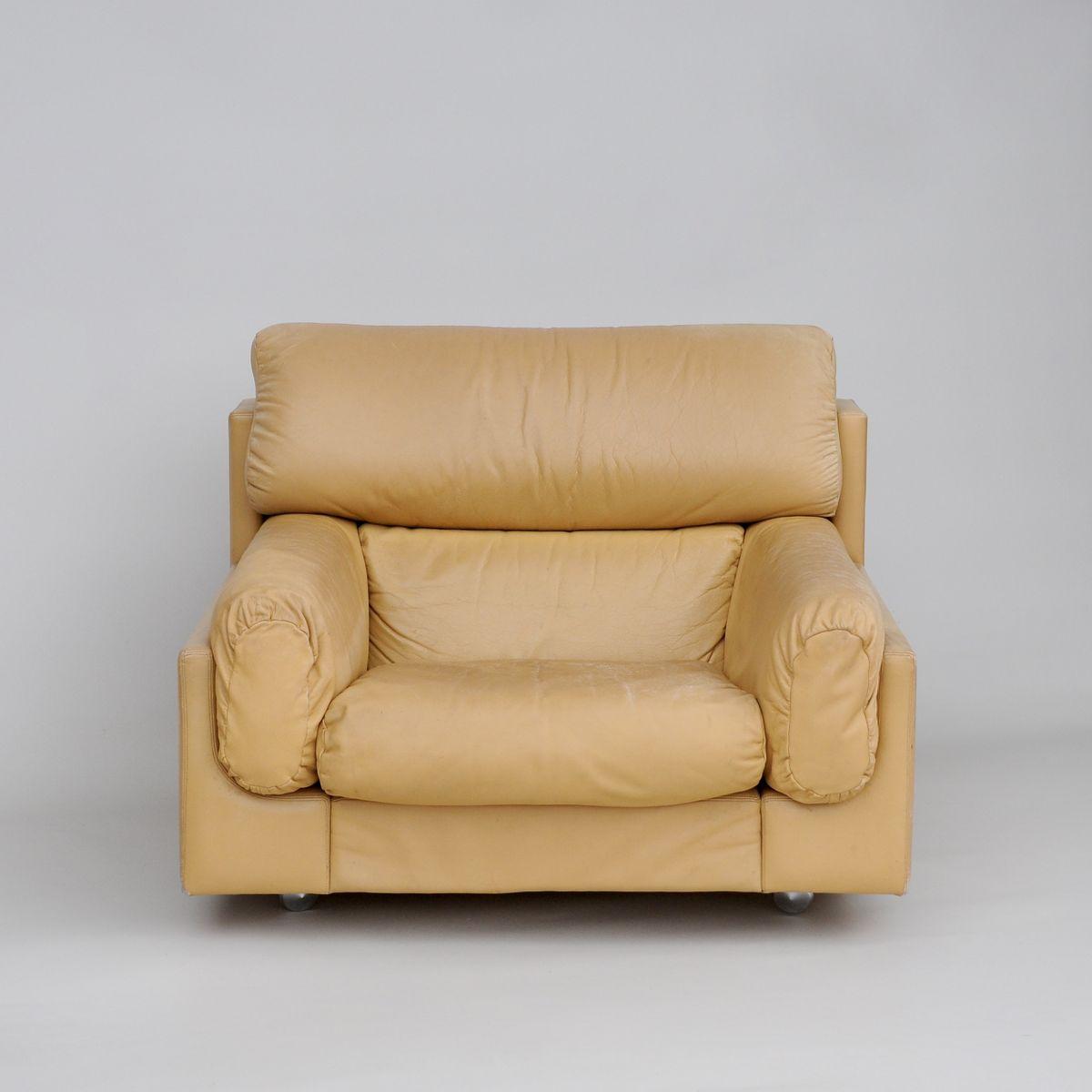 gro er cremefarbener vintage ledersessel bei pamono kaufen. Black Bedroom Furniture Sets. Home Design Ideas