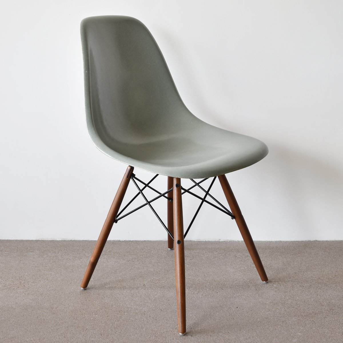 vintage dsw chair in sea foam green by charles and ray eames for