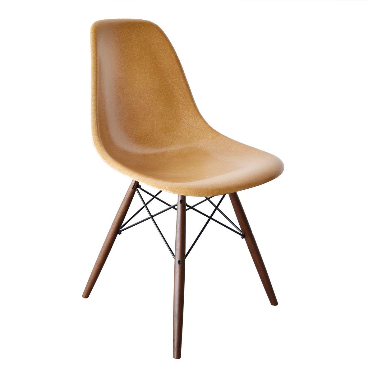 dunkler ockerfarbener dsw chair von charles und ray eames f r herman miller bei pamono kaufen. Black Bedroom Furniture Sets. Home Design Ideas
